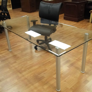 6ft   8ft Glass Conference Table With A Clear Glass Top